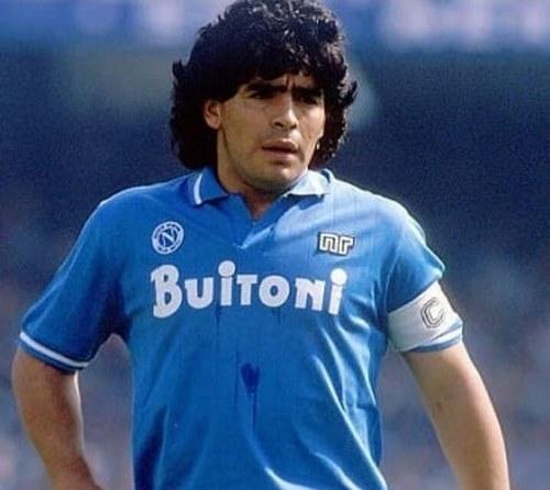 آبی هایی به رنگ آسمان لقب تیم ناپولی