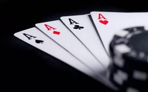 تورنمنت پوکر چهار کارته چگونه می باشد؟