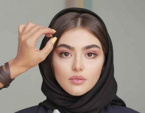 مدل شدن ریحانه پارسا در ترکیه